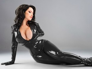 Hot Babe in sexy black latex